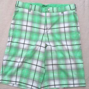 Nike golf shorts sz 32
